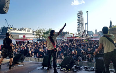 No Konforme en el Jolly-Roger-Bühne auf dem Hafengeburtstag